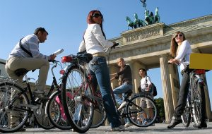 Bike Sightseeing at Brandenburger Tor, Copyright Pierre Adenis